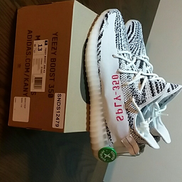 620078f478d44 Adidas Yeezy Boost 350 V2 Zebra 100% Authentic🔥💣